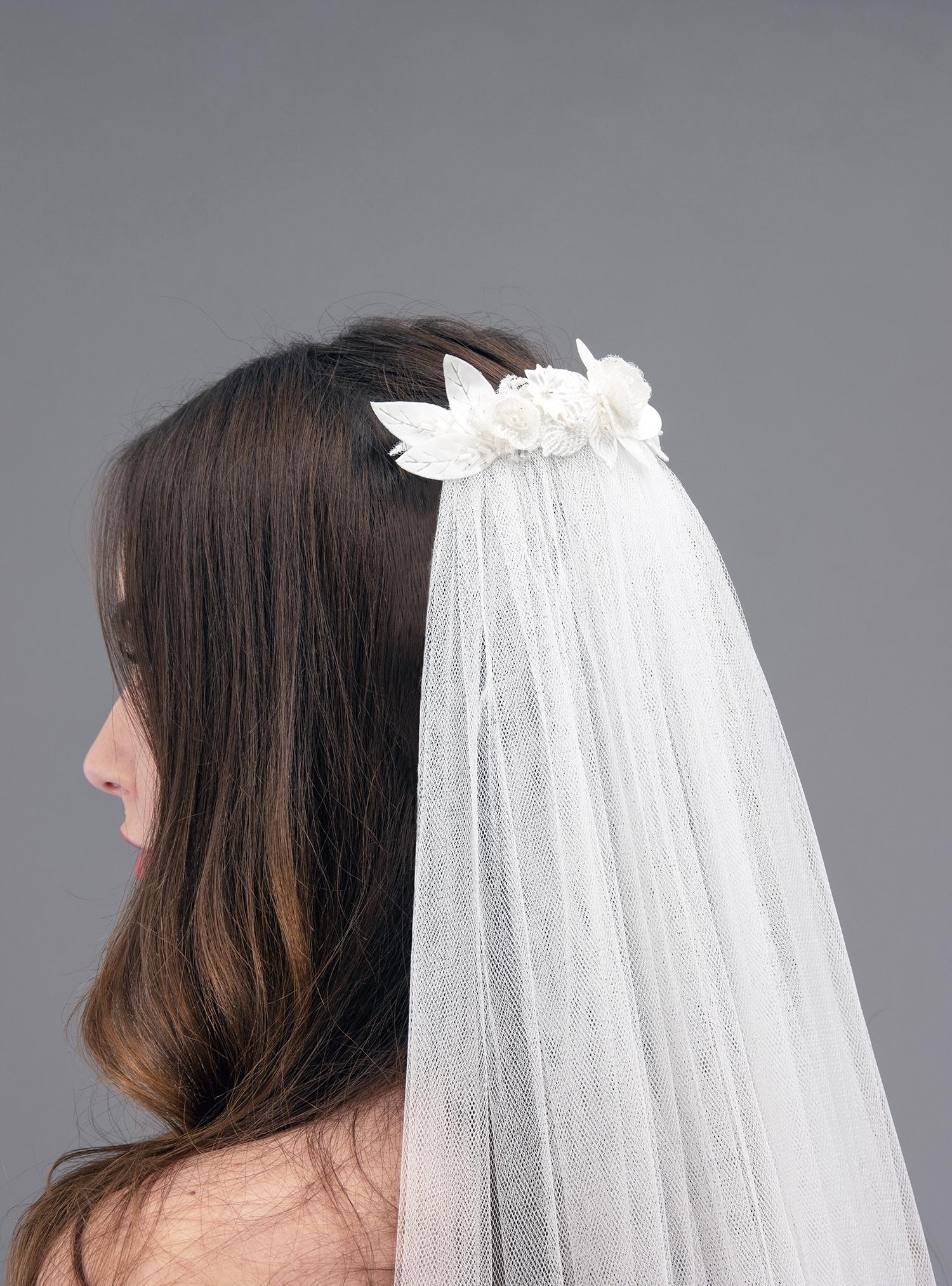 Accessoire de robe de mariée à Marseille par Belle en soie Couture | voile Camélia