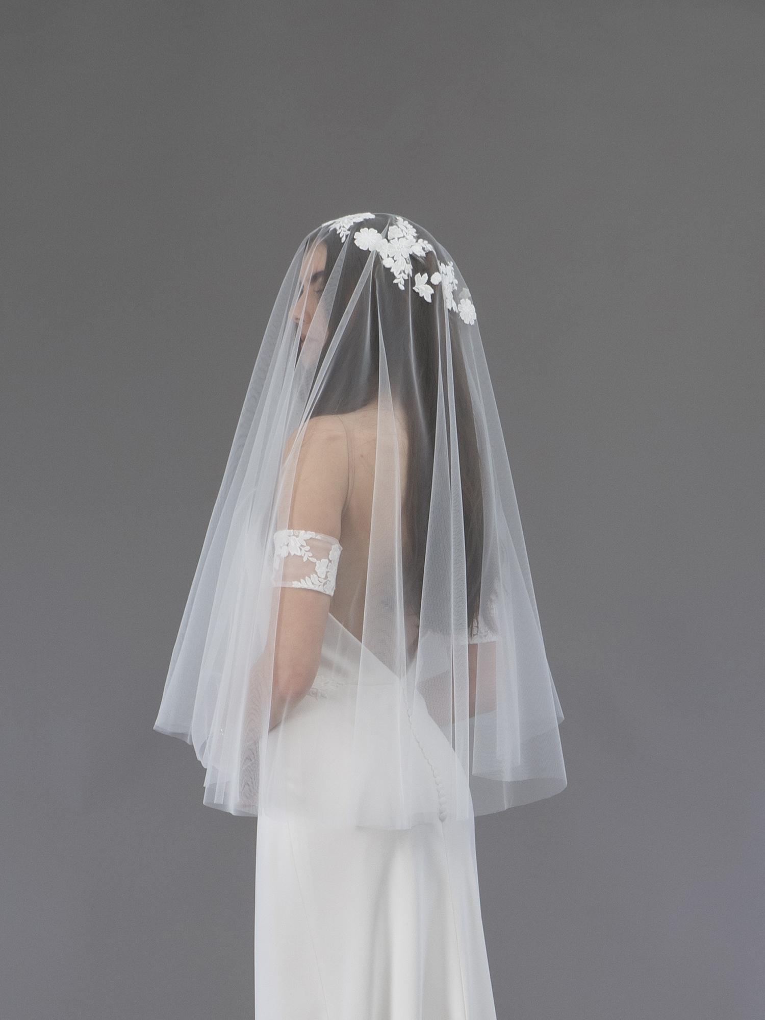 Accessoire de robe de mariée à Marseille par Belle en soie Couture | voile Magnolia