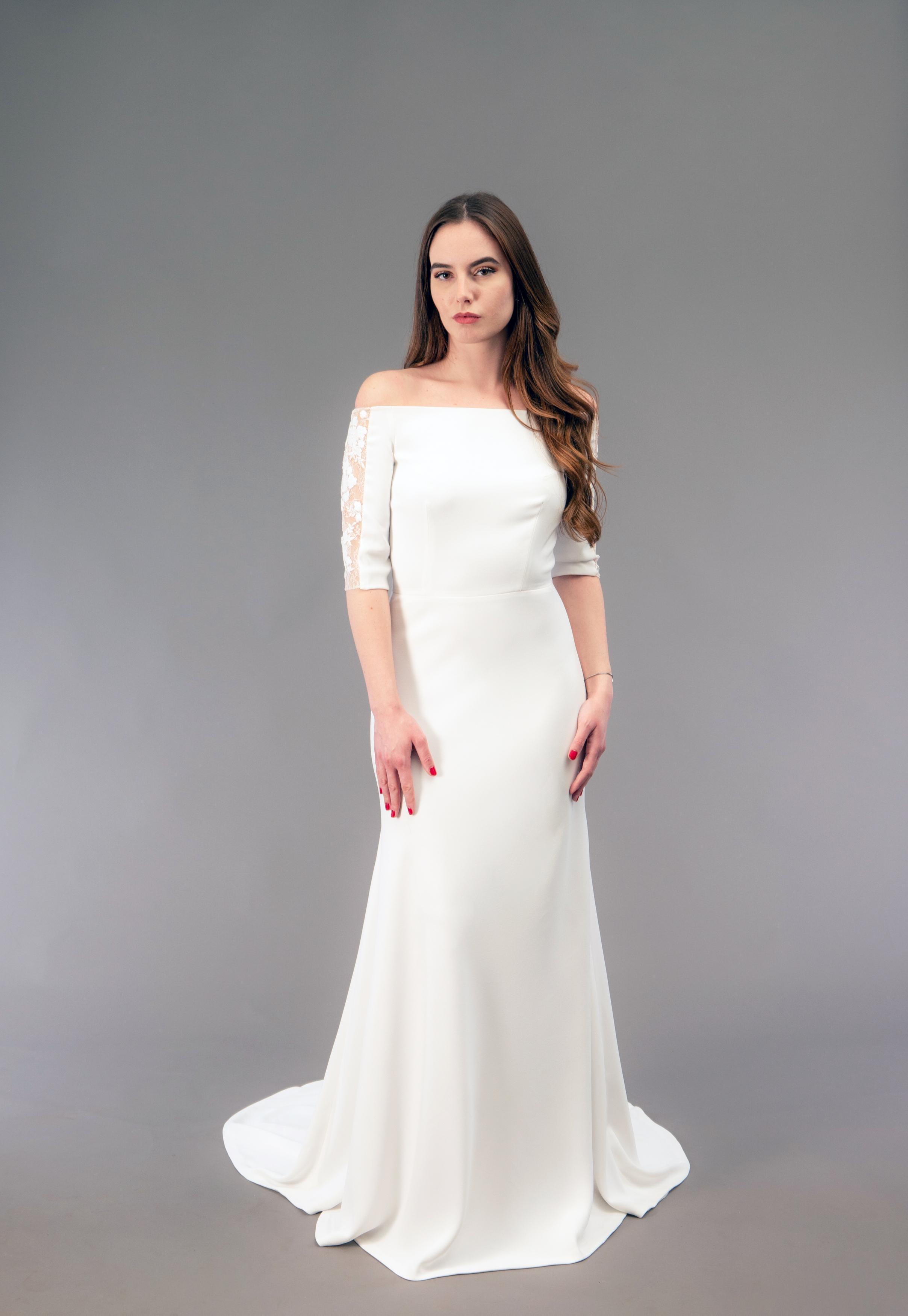 Robe de mariée à Marseille par Belle en soie Couture   robe Orchidée