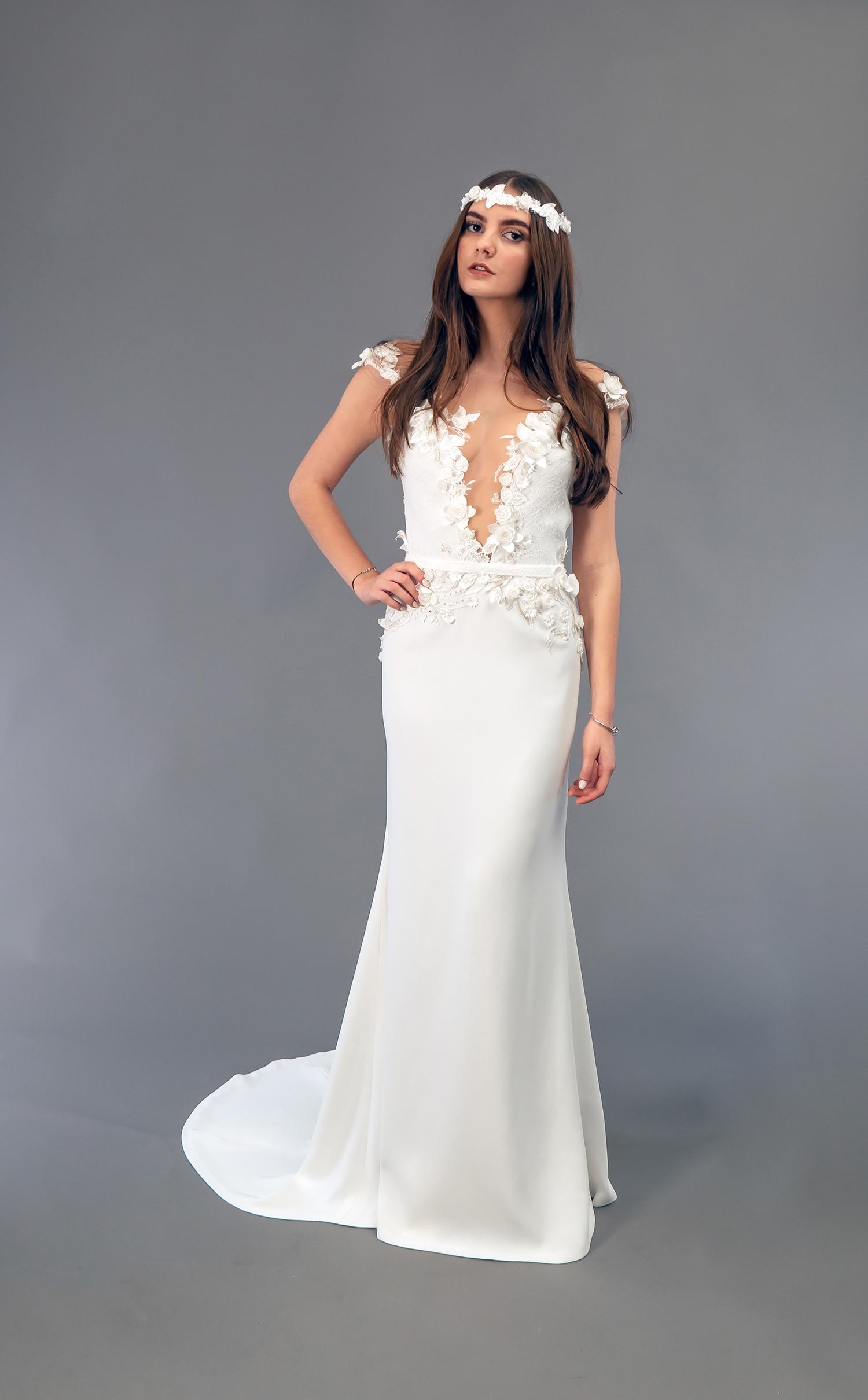 Robe de mariée à Marseille par Belle en soie Couture   robe Pivoine