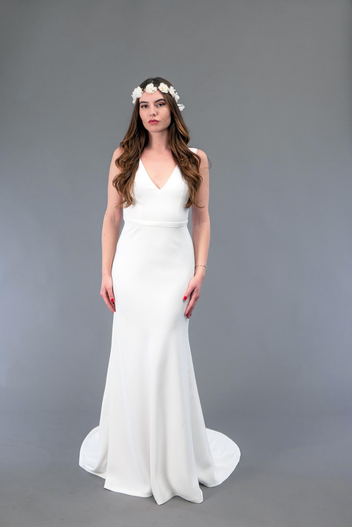 Robe de mariée à Marseille par Belle en soie Couture   robe Iris