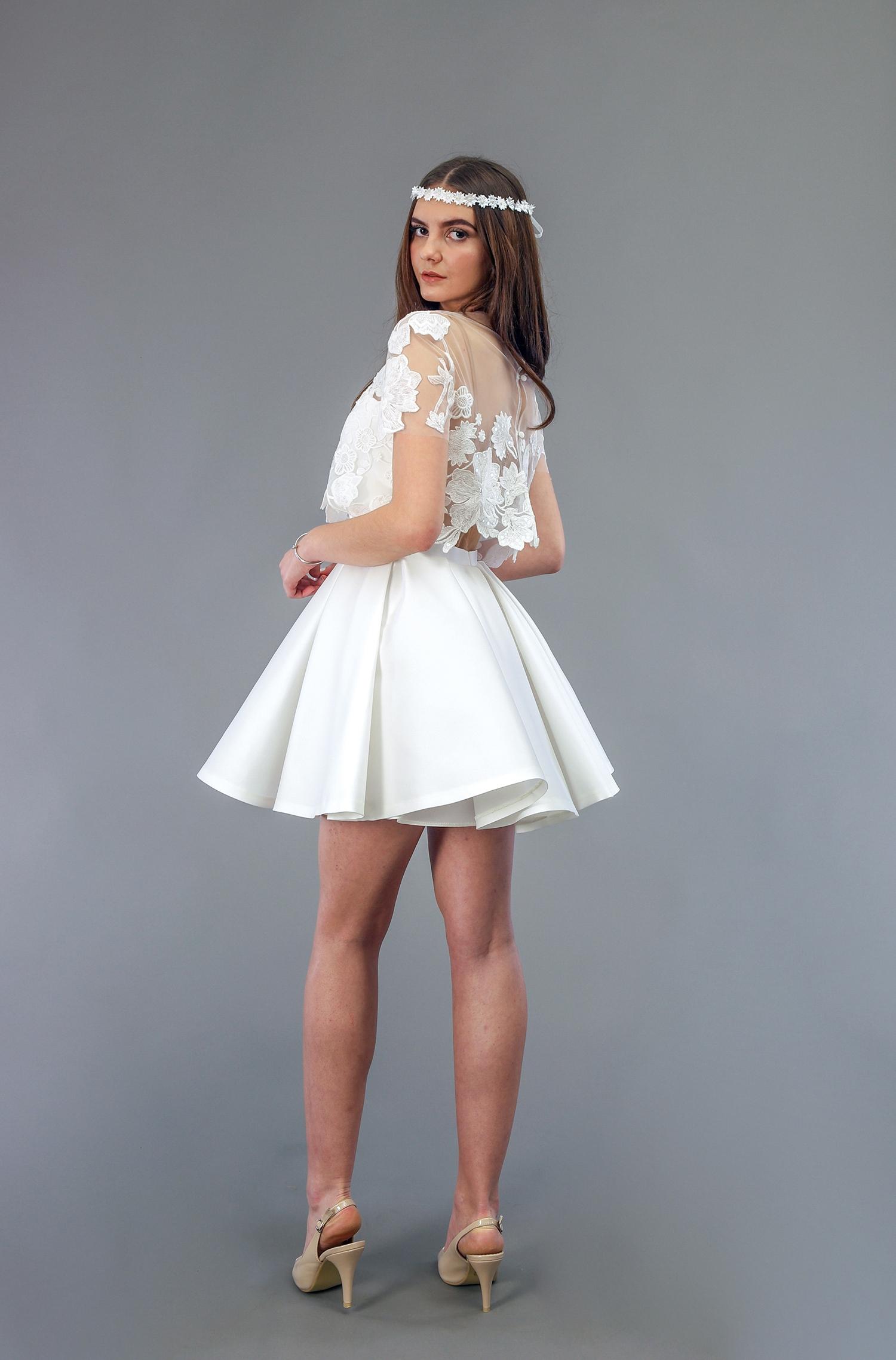 Robe de mariée à Marseille par Belle en soie Couture   robe Lys