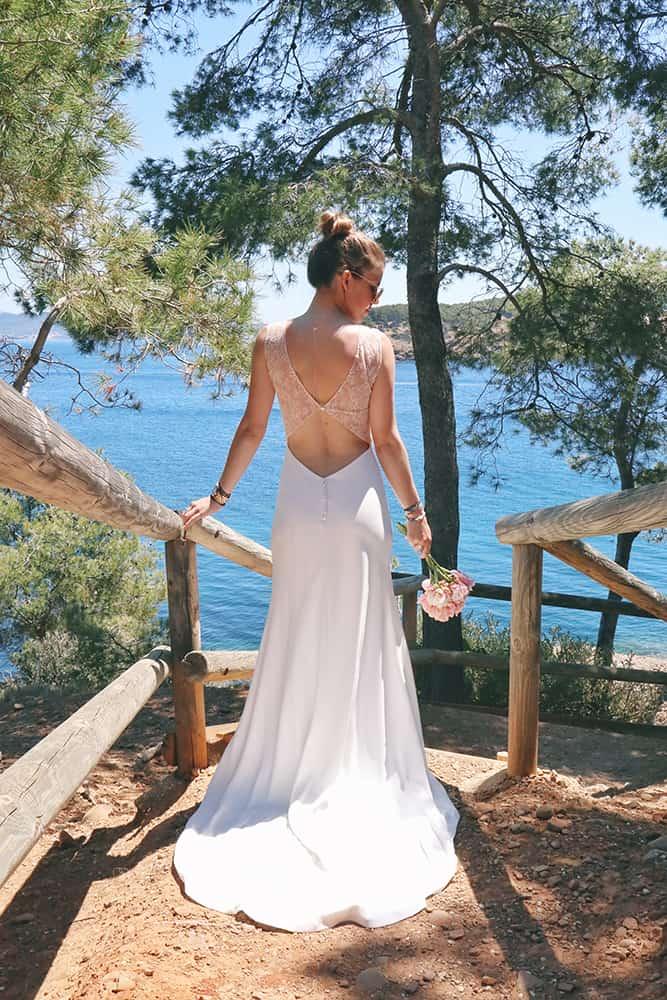 Robe de mariée à Marseille par Belle en soie Couture | Le quatrième essayage de votre robe de mariée